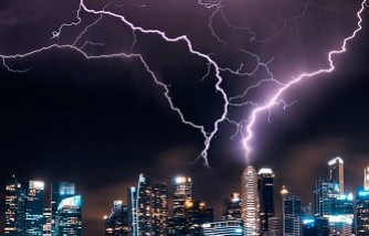 Lightning month: Specialist advises to take lightning seriously [three people already died after being struck]