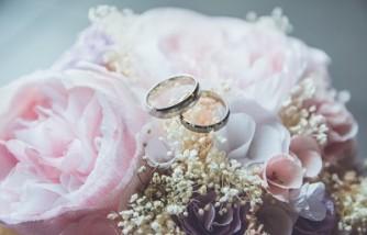 Best ways to prevent wedding crashers