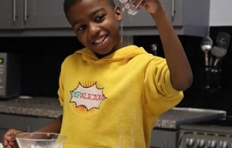 Cookbook of 12-Year-Old Vegan Chef: Teach Kids to Eat Their Greens