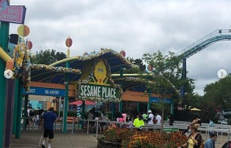 Couple Got Angry Teen Sesame Place Employee Advised Them to Wear Face Masks