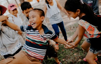 children play, traditional games, modern day gadgets