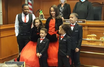 Foster Dad Adopts Five Siblings So They Would Still Be Together as a Family
