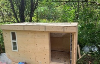 A 28-year-old carpenter builds mobile wooden shelters for homeless people in time for the winter