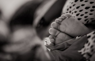 Utah Mom Abandons Newborn Baby at a Doorstep in a Cold Weather