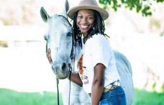 black cowgirl uses horses, teach children reading and spelling, black cowgirl teaches children reading and spelling, black teaches children reading and spelling, use horses to teach reading and spelling