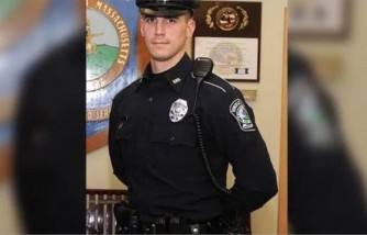 police officer helps family, after catching them shoplifting, police officer catches family shoplifting helps them, police officer helps family instead of pressing charges against them
