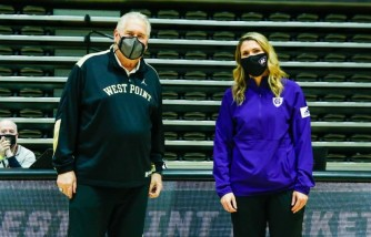 dad vs daughter, first time in college basketball matchup history, dad and daughter coach battle