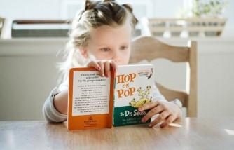 ways to get kids read books, ways to motivate kids to read books, ways to make kids read books, how to make kids read books, how to make kids love reading