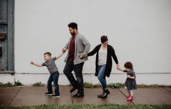 On Setting a Good Example for You Kids, Here Are 6 Easy Ways To Do It