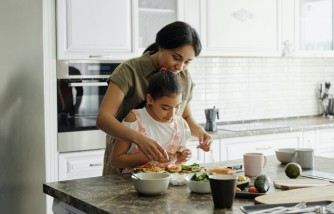 Creative Ways To Get the Kids On Board With Healthy Eating