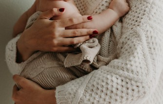 2021 Research Says Babies Should Have Close Contact with Parents