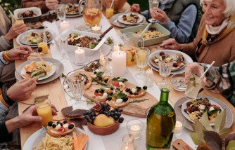 Family Meals Can Reduce Obesity [Research Reveals]