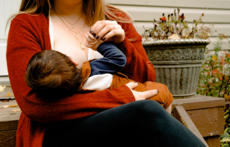 Breastfeeding Mom Appeals to Court for Her Jury Service Duty