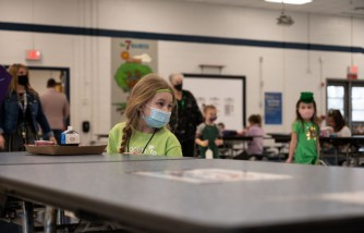 COVID Safety: Parents, Teachers Want Outdoor School Lunches to Lower Risk of Virus Spread