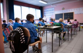 Mom Sues Wisconsin School After Son Contracts COVID-19 From Classmate