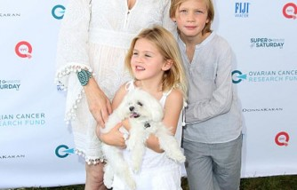 Kelly Rutherford and children