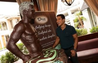 Mario Lopez Unveils Dove Silky Smooth Mint & Dark Chocolate Swirl