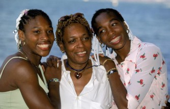 Serena and Venus Williams with mother Oracene
