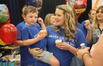 'Toys'R'Us And Make-A-Wish Honor World Wish Day With The Ultimate Birthday Celebration for Dallas-Area Wish Kid'