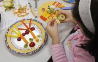 Toddler Diet Tips: Should Kids BE Encouraged To Go Vegan?