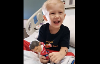 4-Year-Old With Cancer Miraculously Wakes Up From Coma To Say 'I Love You' To Mom