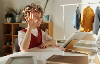 Ways on How To Help Kids Who Are Afraid of Video calls.