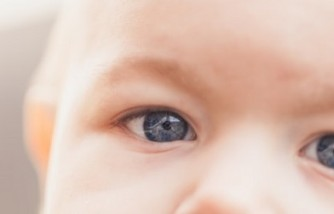 Babies' Attention is Greatly Affected by Caregiver's Eyes While Playing