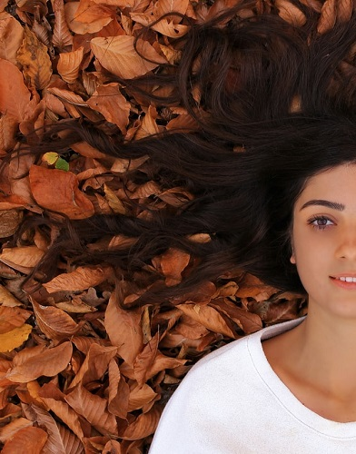 How to Treat Hair Fall Naturally at Home
