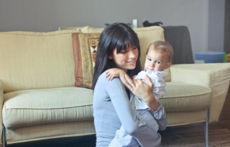 Myth Debunked: Holding Your Newborn Baby Has No Limit [Sleep Expert Says]